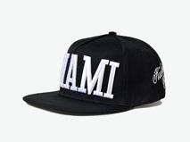 凯维帽业-时尚韩版简约 黑白配双色 平板帽PM232