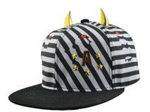 凯维帽业-时尚 牛角印花平板帽 PT208