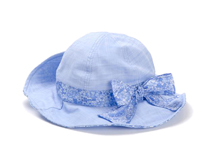 黑白视频体育直播-浅蓝色碎花蝴蝶结女童渔夫边帽RM449